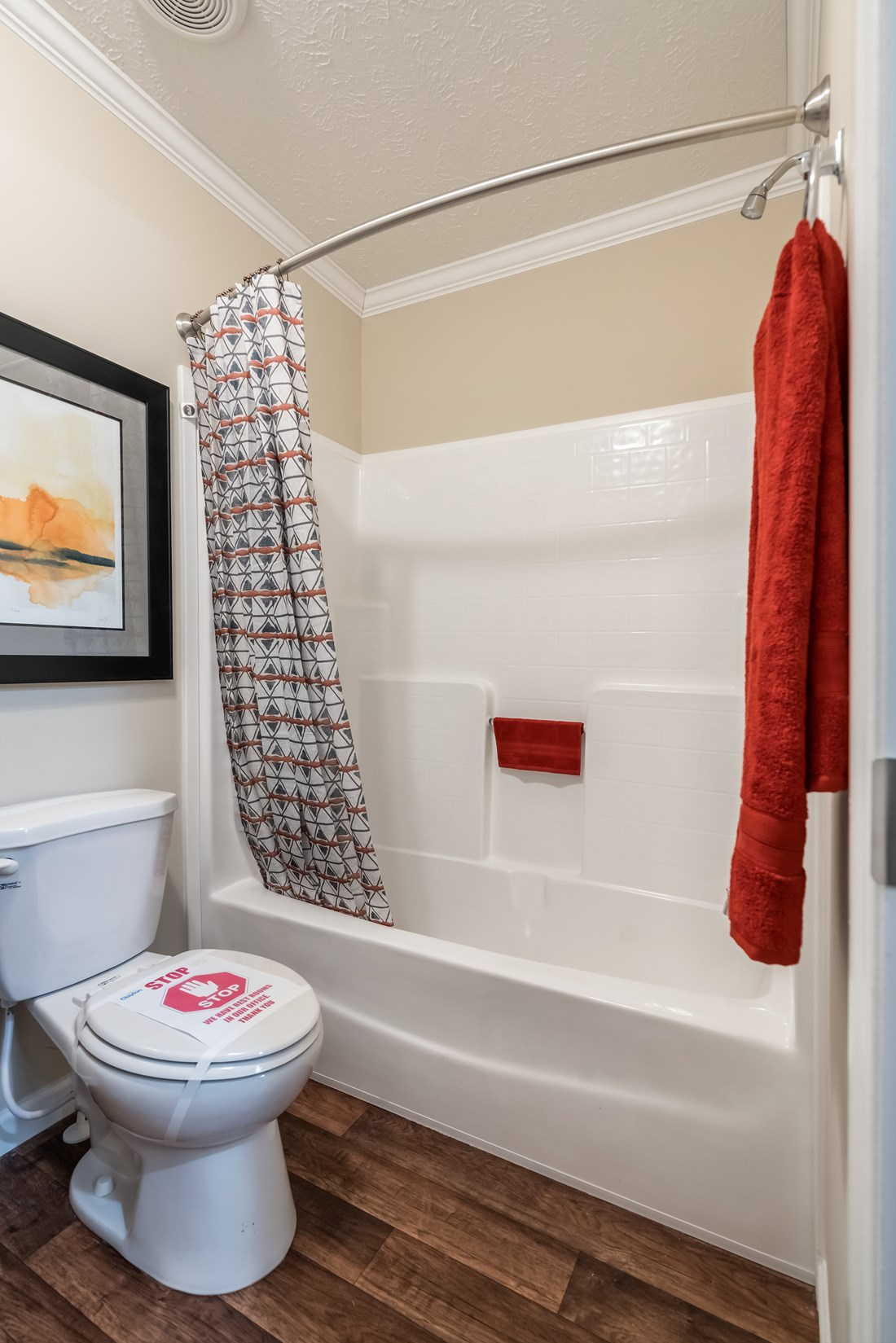 The BROOKLINE FLEX Guest Bathroom. This Manufactured Mobile Home features 4 bedrooms and 2 baths.