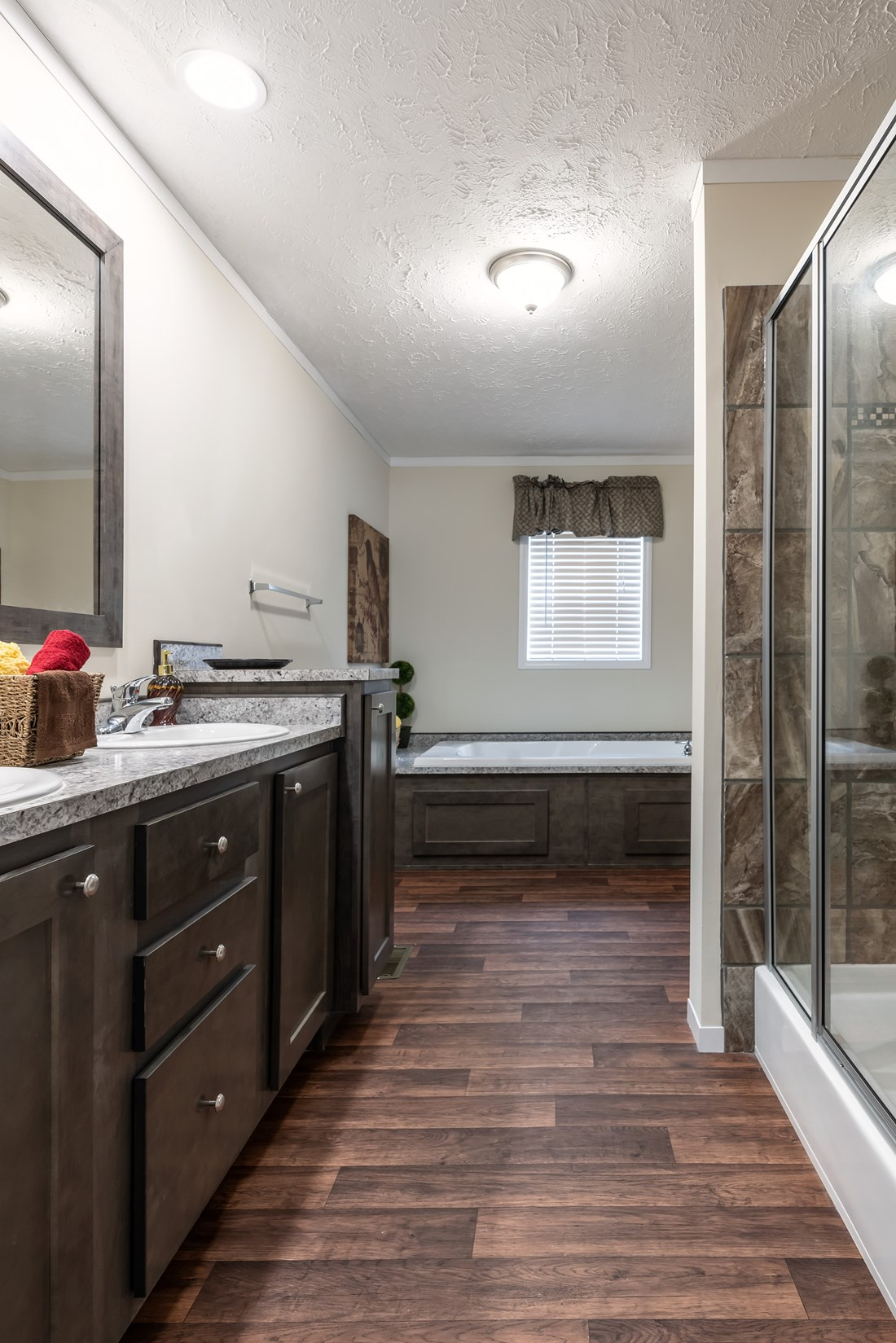 The WINCHESTER FLEX Master Bathroom. This Manufactured Mobile Home features 4 bedrooms and 2 baths.