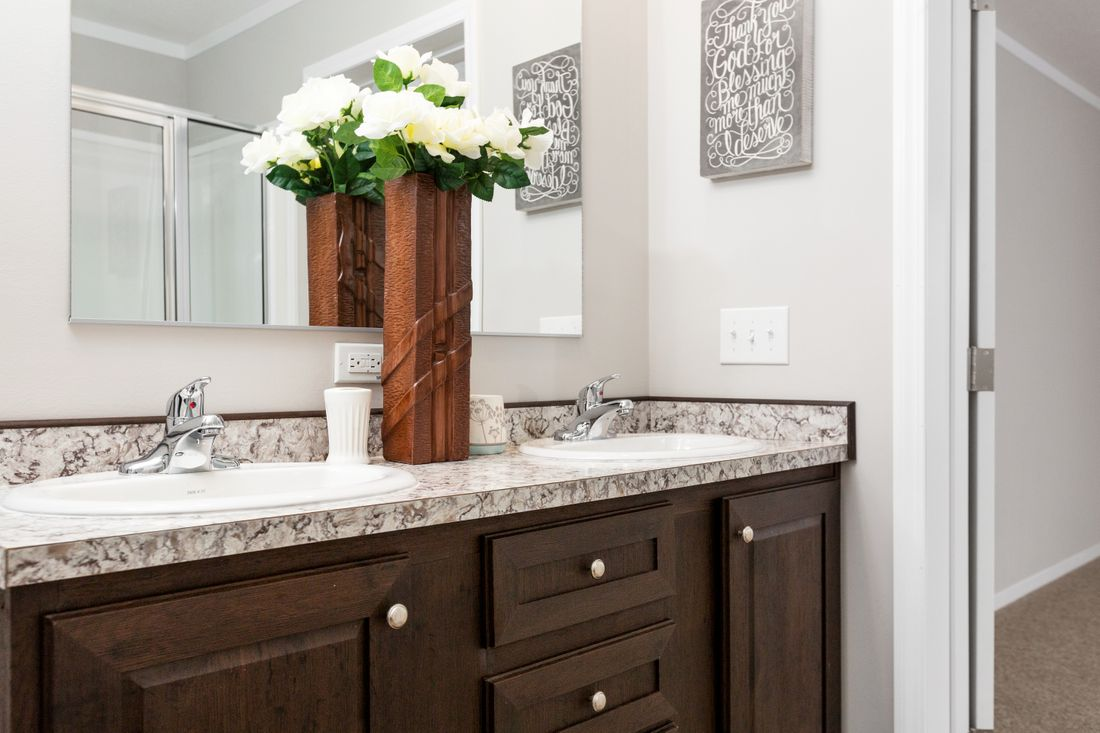 The TAHOE 3272A Master Bathroom. This Manufactured Mobile Home features 3 bedrooms and 2 baths.